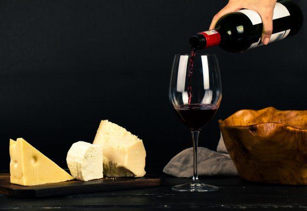 Claves para maridar vinos y quesos